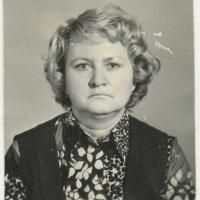 На снимке Л.А. Паршакова