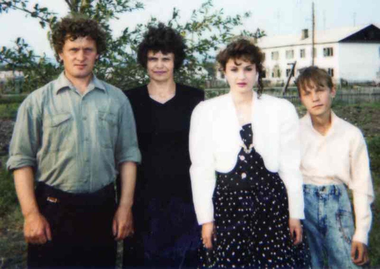 22 июня 1996 года. Выпускной вечер дочери Насти.