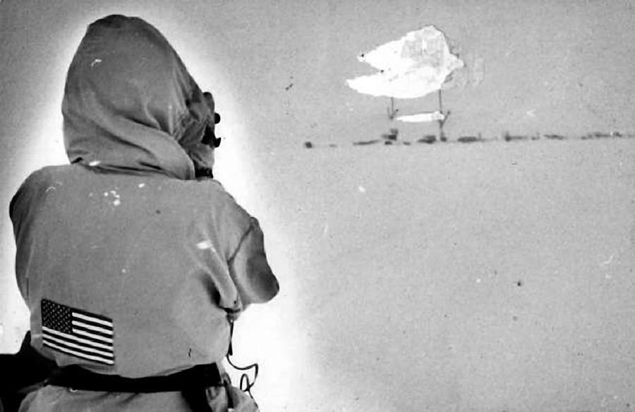 Фотосъёмка американкой Д. Брелсфорд расположения роты ПВО на Чукотке. 15 марта 1989 года.
