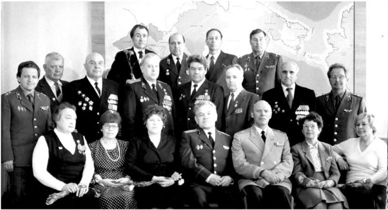 Встреча руководства УКГБ с ветеранами войны и труда. 8-го мая 1985 года. Фото из архива семьи Ларионовых.