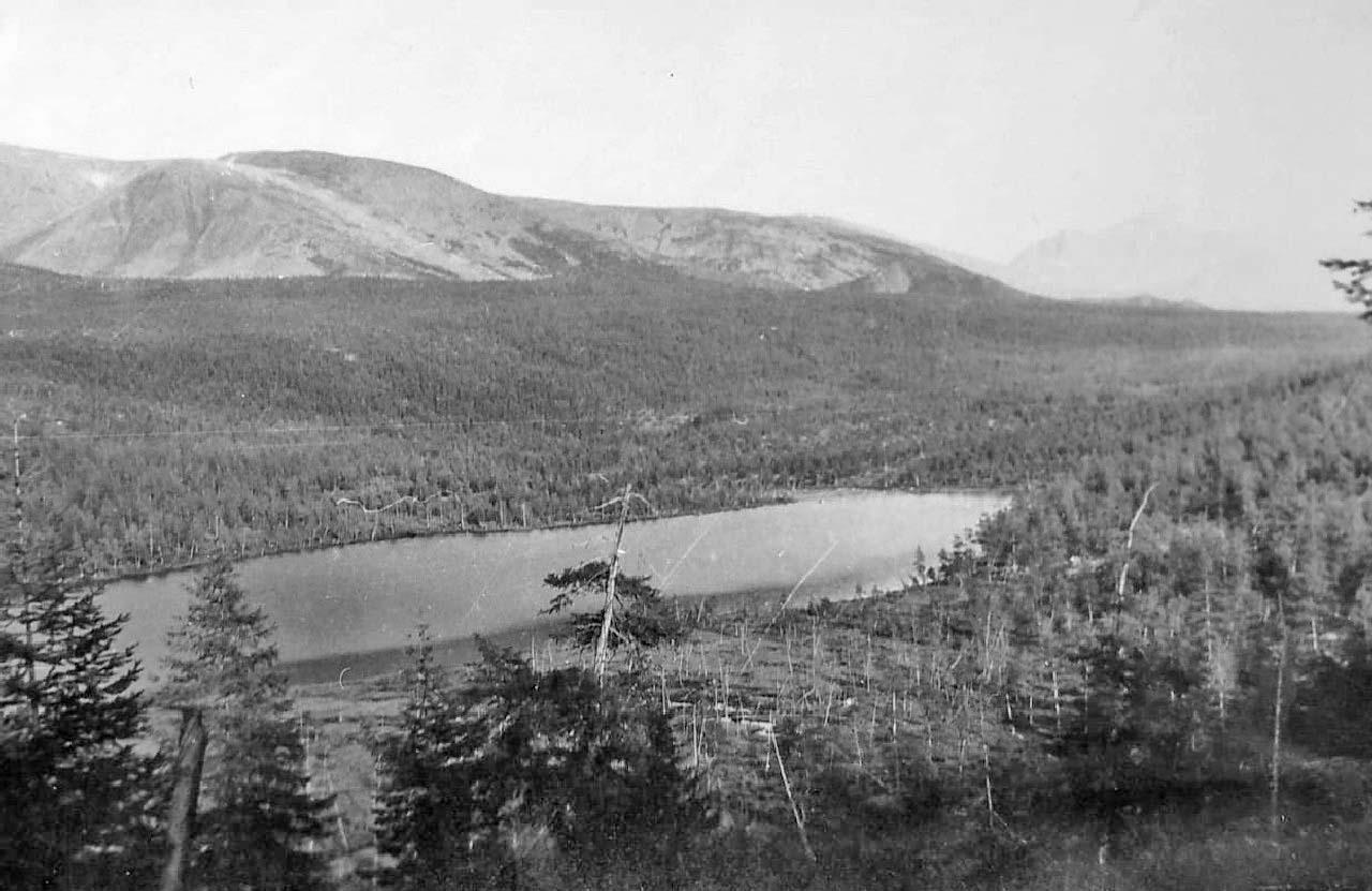 Второе озеро от Лебединого. Из архива Валерия Мусиенко.
