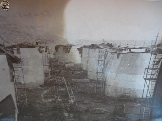 Общий вид хранилища ГСМ после взрыва