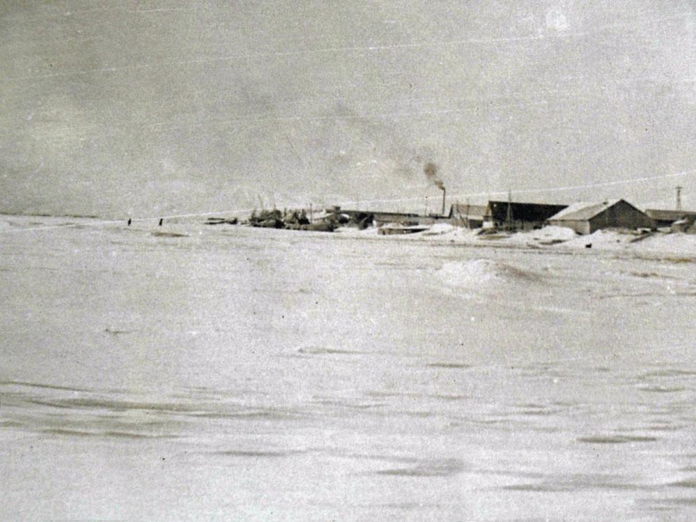 Вид на Армань с реки. 1973 год.