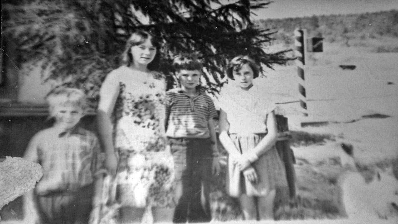 Дети Буркота. 70-e годы ХХ-го века. Из архива Людмилы Есиковой.