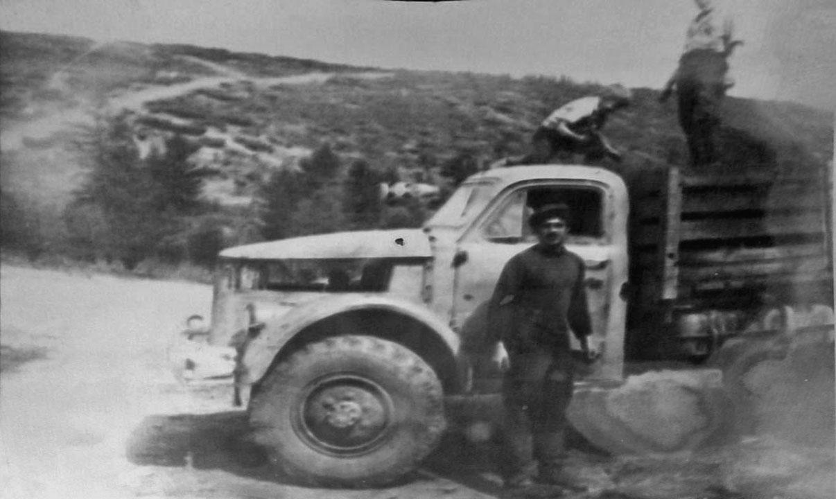 Машина дорожной дистанции «Буркот». 70-e годы ХХ-го века. Из архива Людмилы Есиковой.