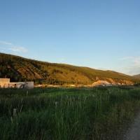 Село Меренга. Слева - ДЭС.