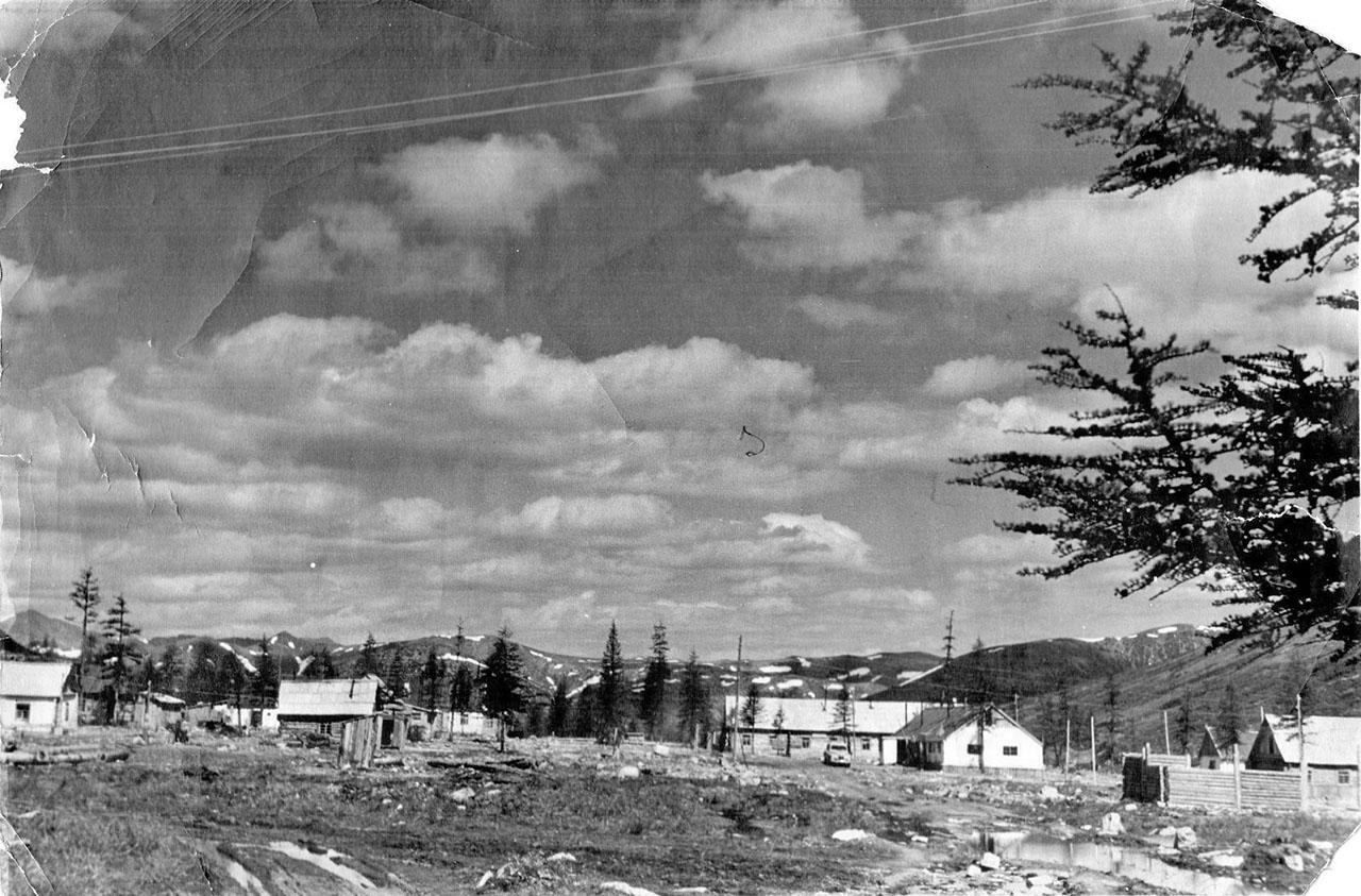 50-е года ХХ-го века. Посёлок Невский строится. Из архива Павла Сапунова.
