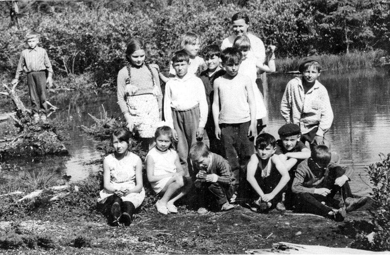 На маленьком озере. Посёлок Невский, 1967 год. Из архива Павла Сапунова.