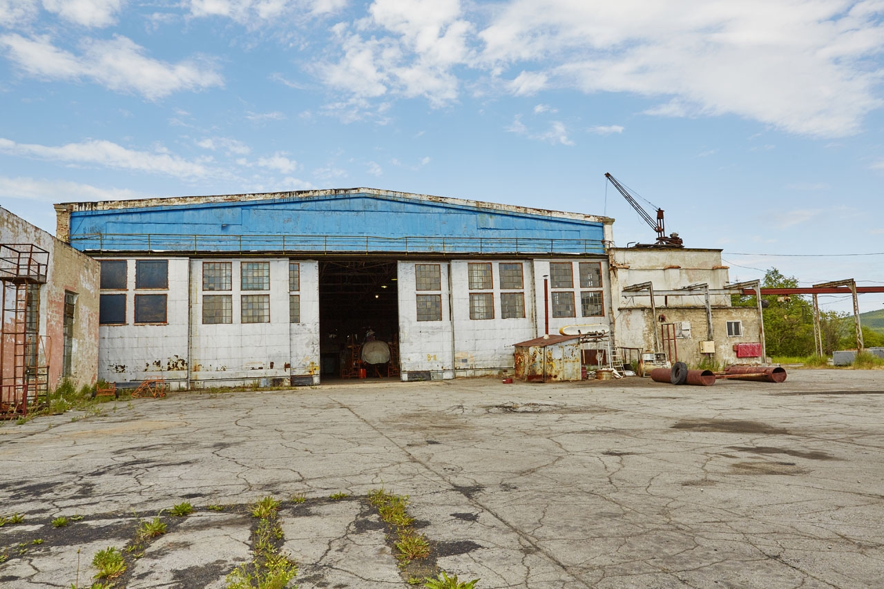 Ремонтный ангар бывшего 73-го завода...