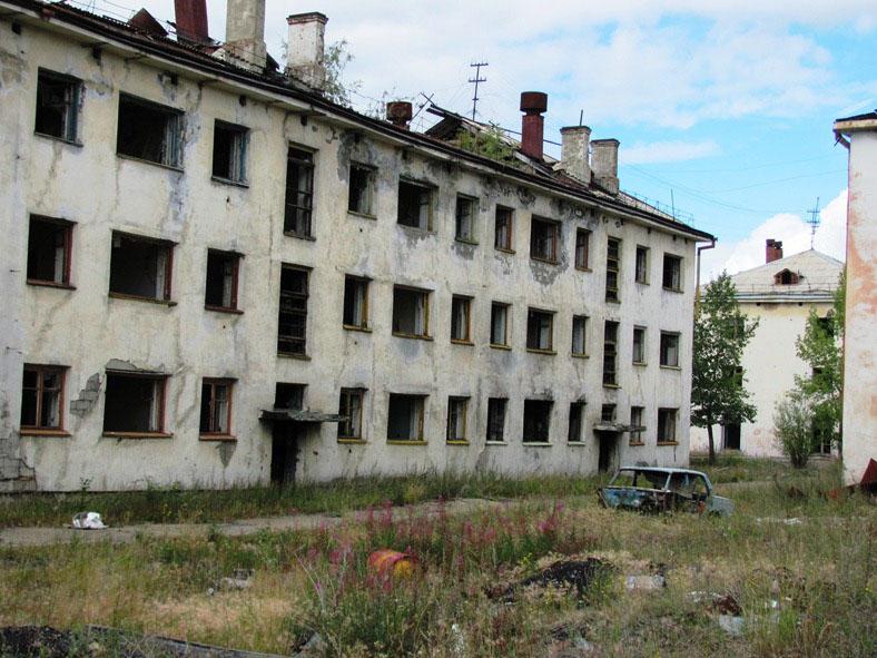 Пустые глазницы домов, из которых ушла жизнь...