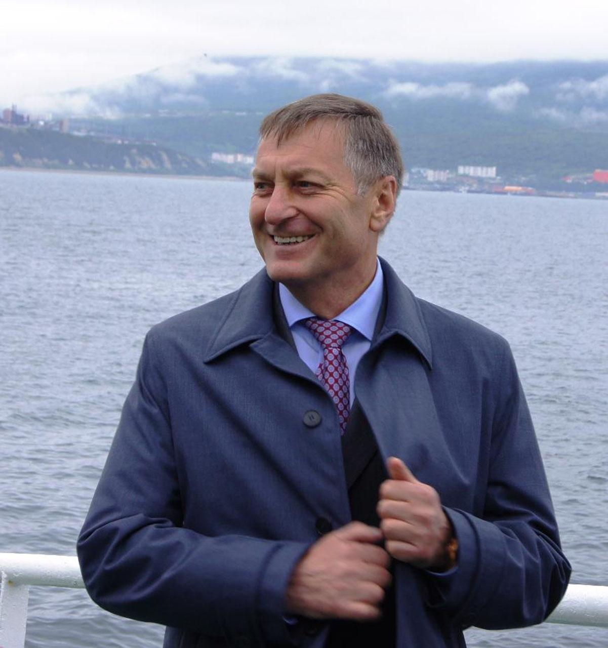 Генеральный директор ООО «Тихоокеанская рыбопромышленная компания» и ООО «Маг-Си Интернешнл» Михаил Котов.