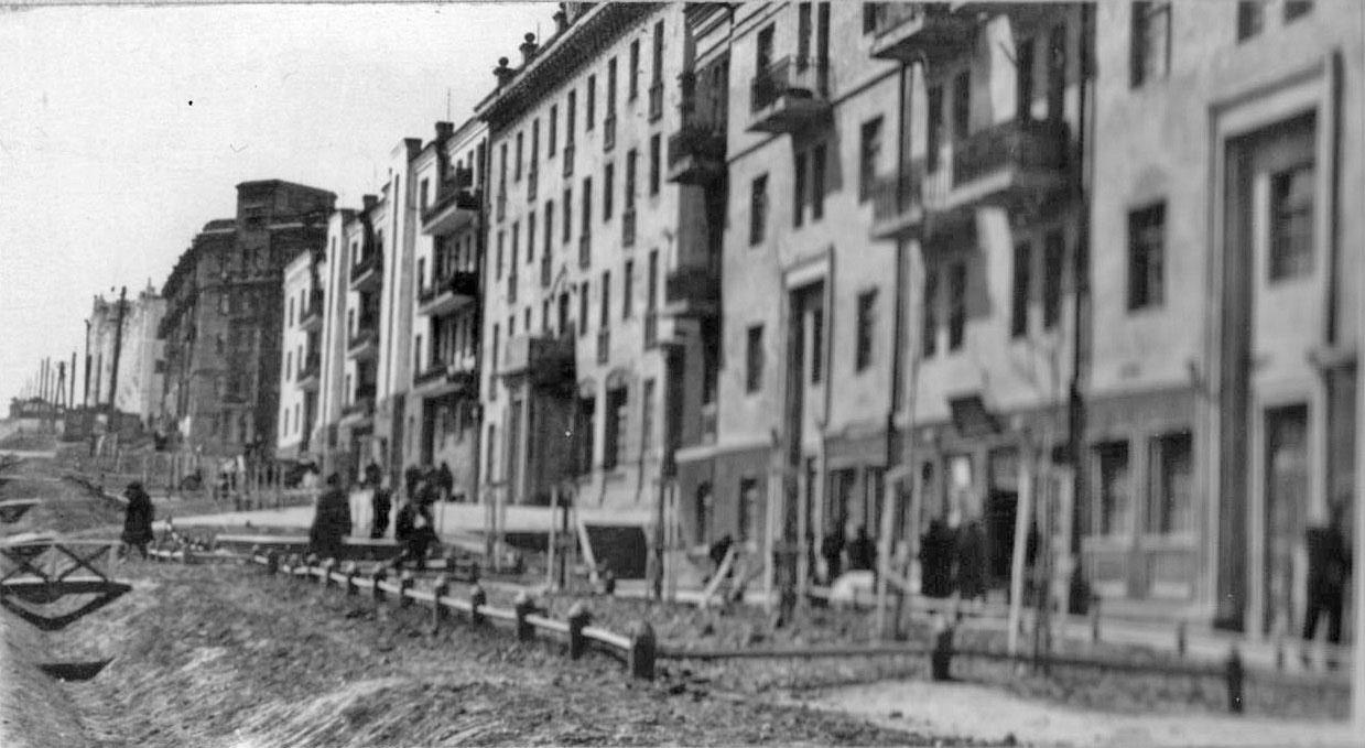 Жилые дома по Колымскому шоссе (пр. Ленина) №14, 16, 18, 1949 год.