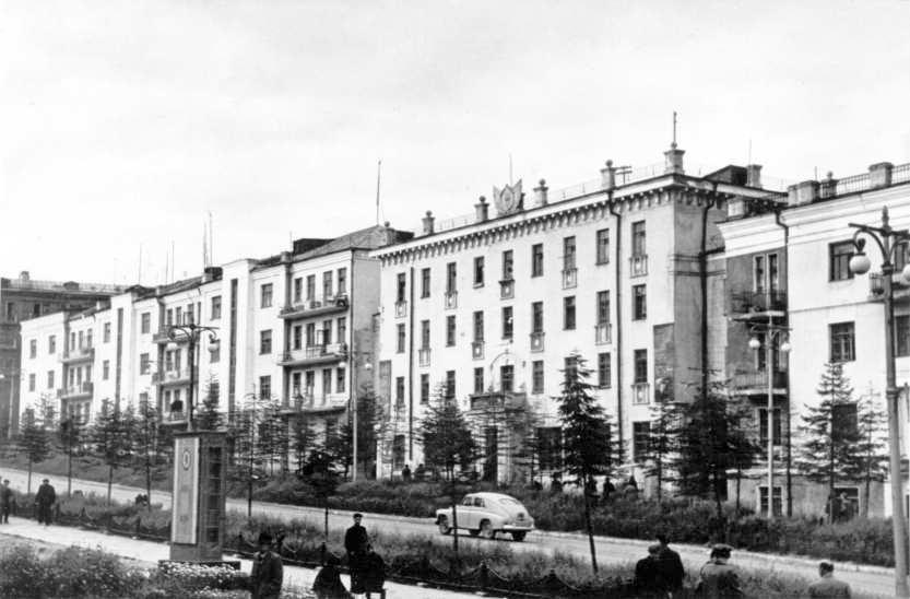 Проспект Ленина, 16. Конец 1950-х годов.