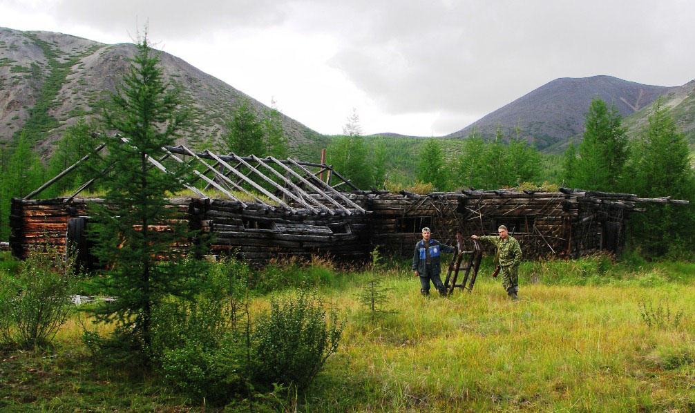 Остатки конюшни рудника Отпорный.