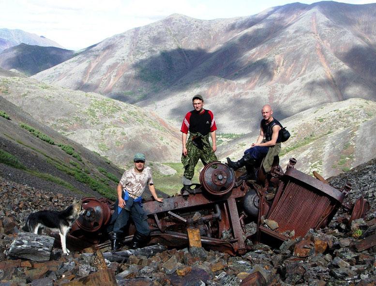 Останки сгоревшего рудничного компрессора.