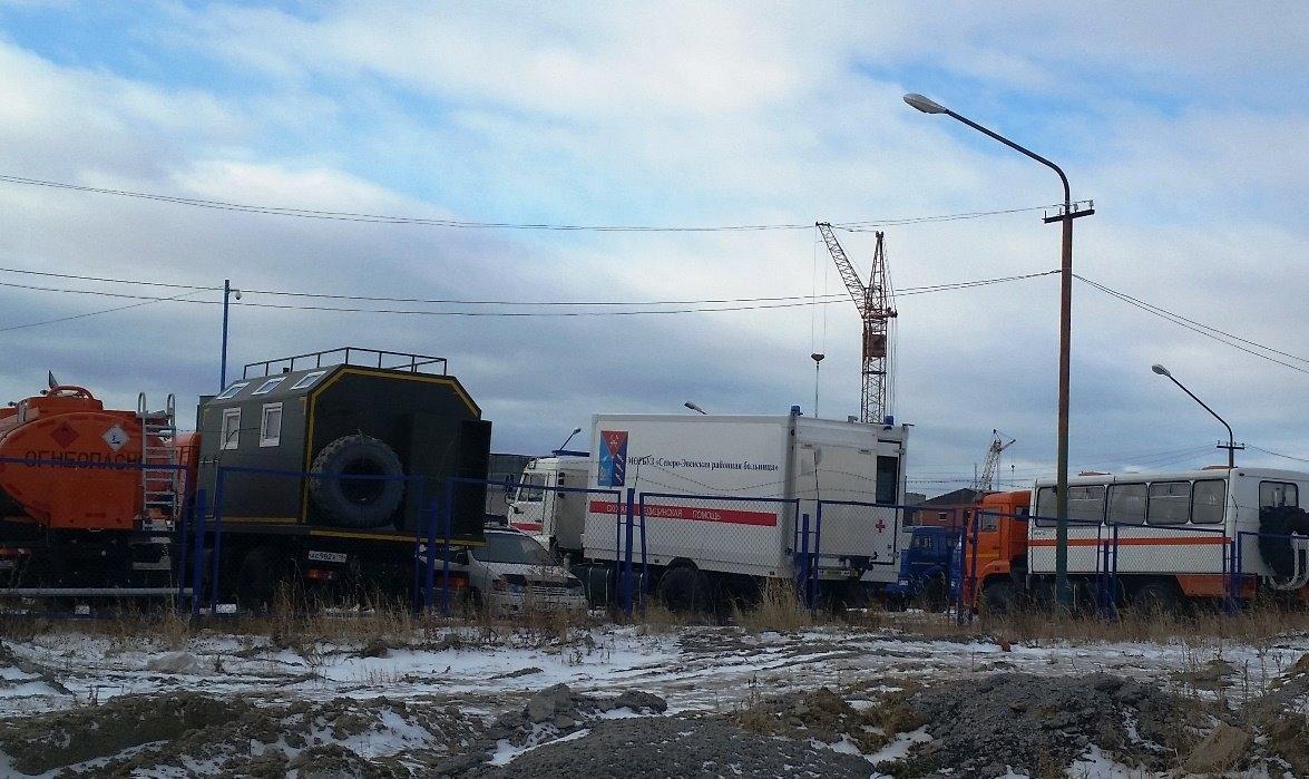 Такой нужный жителям области КАМАЗ-«скорая» с весны стоит на открытой автостоянке Центра-КАМАЗ, что на Марчекане.