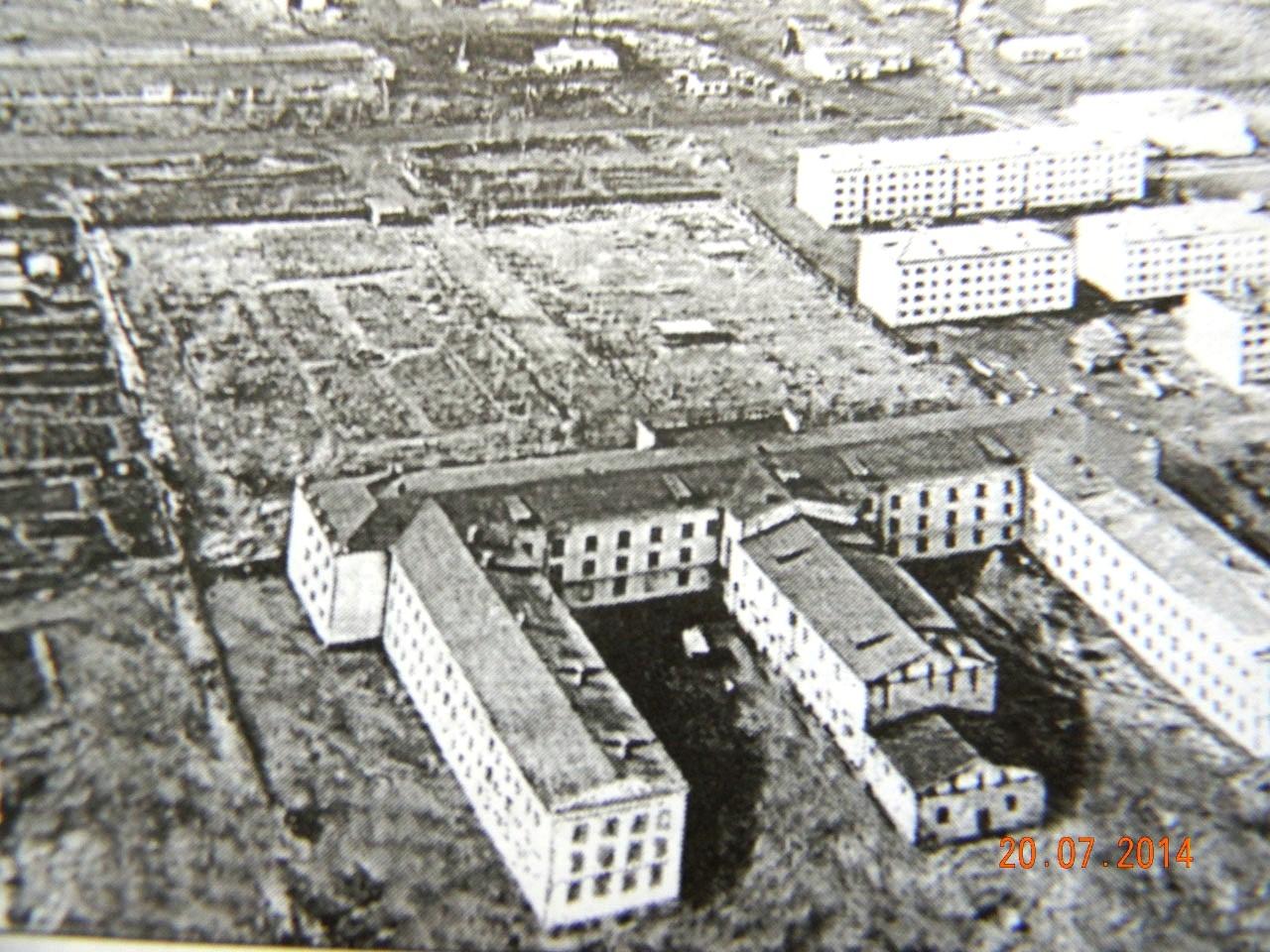 Дебинская больница, фото из архива.