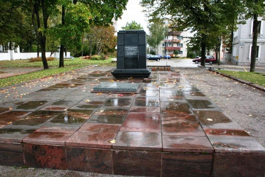 Памятник советским воинам в г. Шауляй, Литва.