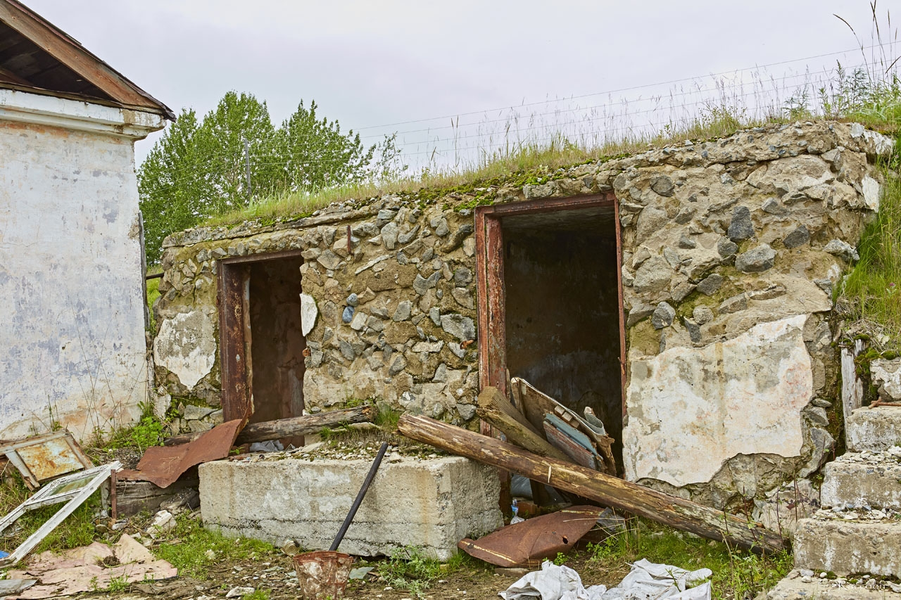 Подземный бункер у входа в торпедную мастерскую.