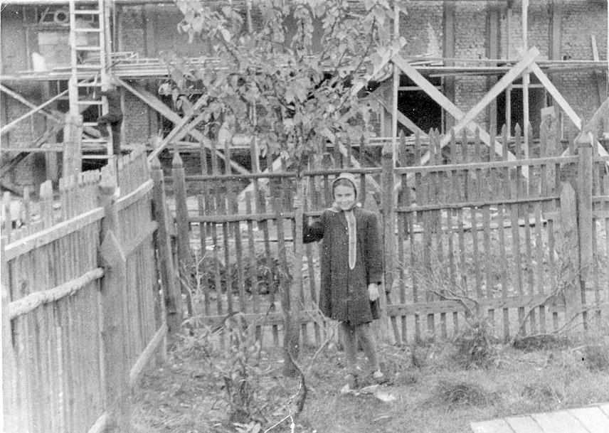 Магадан. За забором строилась школа № 2. 1952 год.