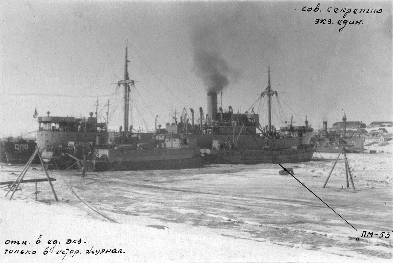 Плавбаза торпедных катеров «Север». Март 1954 года.