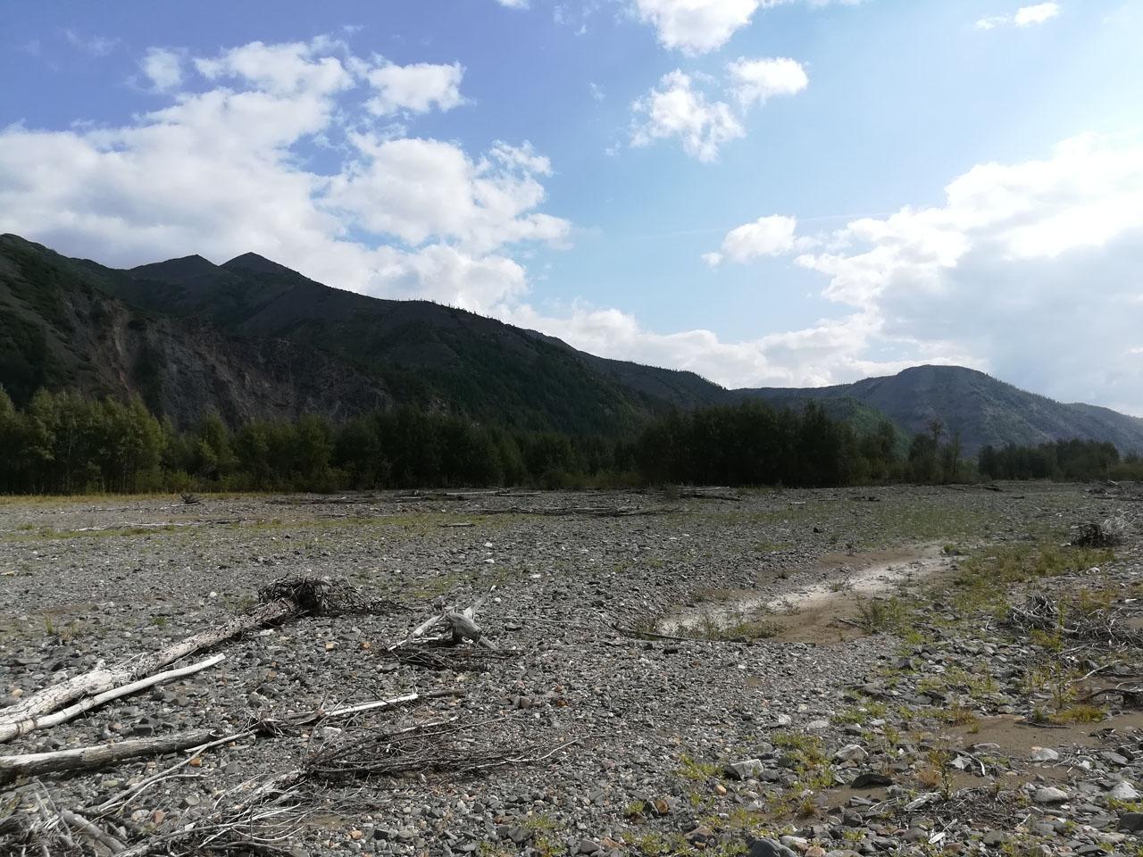 Долина реки Армань.