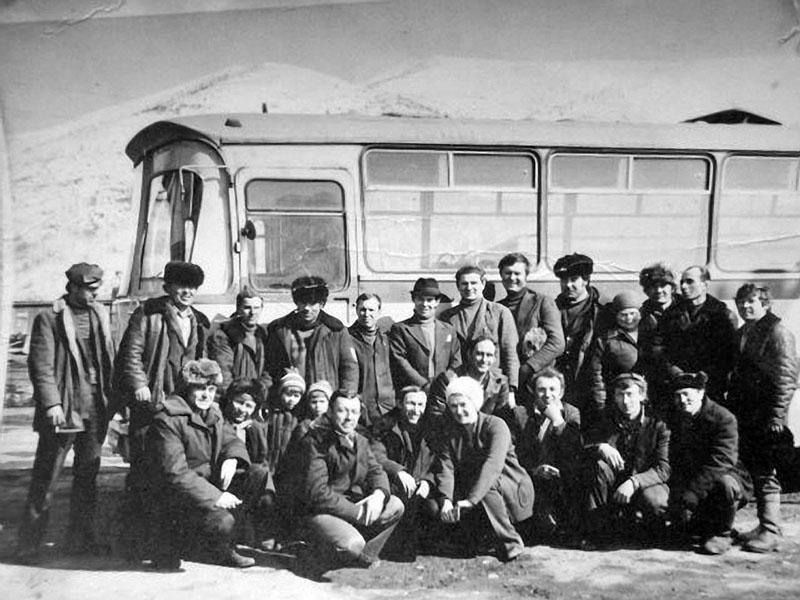 Прииск имени Гастелло. Рабочие автотранспортного цеха. 1977 год.