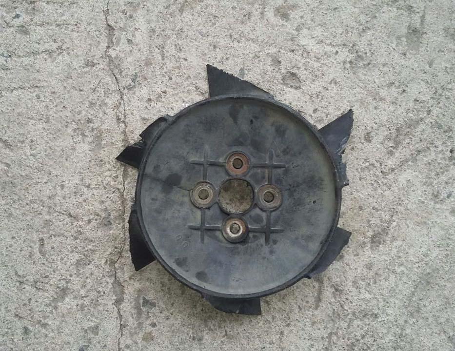 Вентилятор потерял все лопасти.
