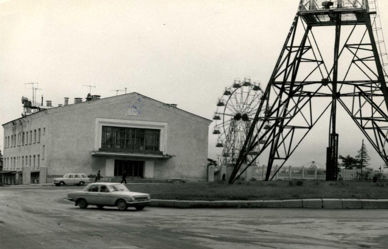 29 февраля 1960 года состоялось официальное вступление в строй Магаданского телецентра, 54-го в РСФСР.