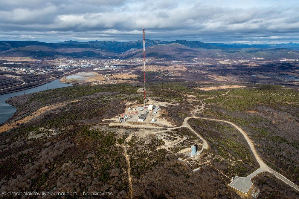 В 2008 году Магадане завершено строительство уникального для области объекта, расположенного на высоте 250 метров над уровнем моря - радиотелевизионной передающей станции на сопке «Крутая» с антенно-мачтовым сооружением, высота которого составляет 246 метров.