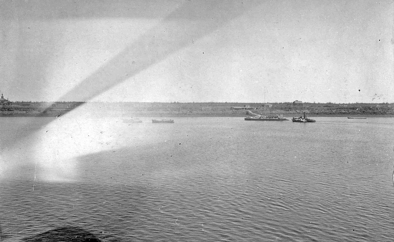 Река Колыма в районе Среднеколымска. 1929 год.