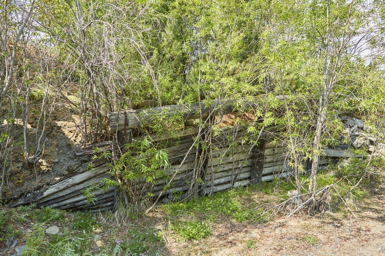 Остатки от моста через реку Нерючи.
