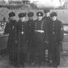 Экипаж С-140, в центре замполит Киричук.