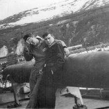 Члены экипажа С-140 на борту ПБ-3 «Магаданский комсомолец».