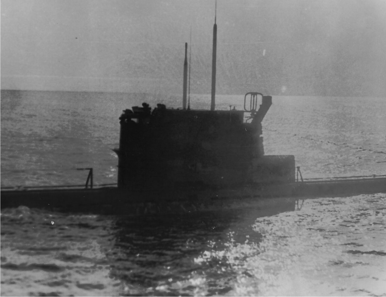 Лодка С-176 в точке погружения перед проверкой на шумность в 1983 году. Авачинский залив.
