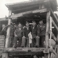 Примитивная баня на берегу бухты. В ней купались солдаты с воинской части находящейся на Симушире.