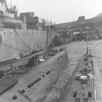 С-220. У плавбазы в бухте Нагаева