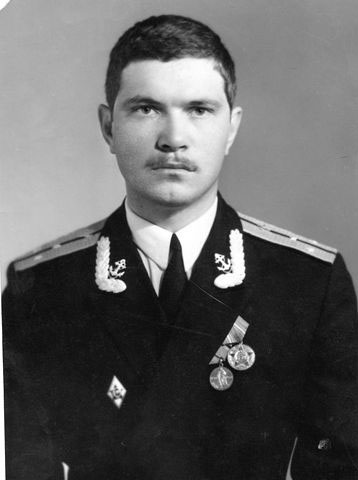 Командир БЧ-5, капитан-лейтенант Попов Александр (на фото ещё старший лейтенант)