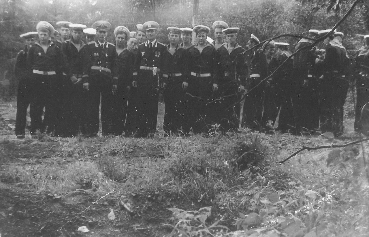 Экипаж С-221. 1981 год.
