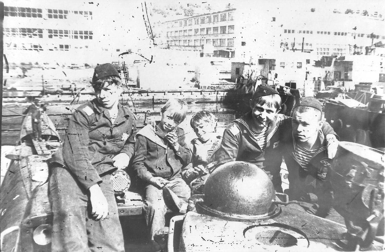 С-221. В заводе, Советская Гавань, 1982 год.