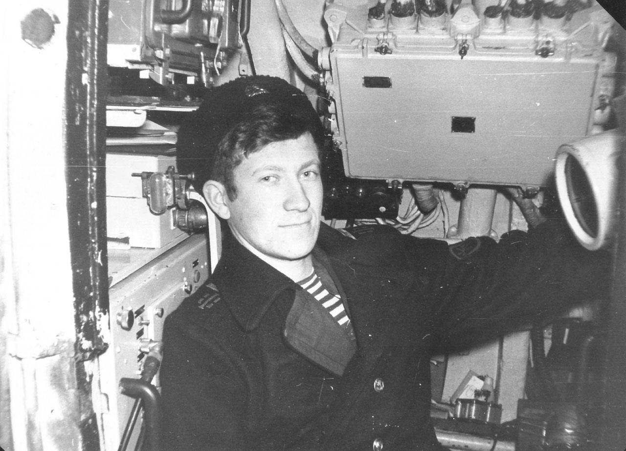 Дмитрий Гвоздев, радиометрист. На своем боевом посту. Март - апрель 1983 года.