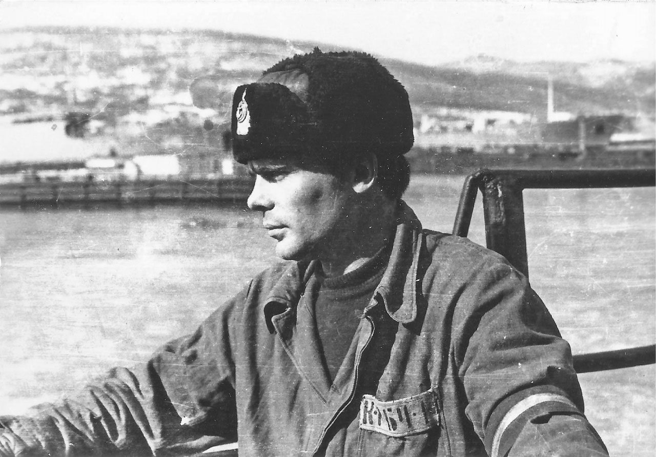 С-221. Ракушка. 1981 год. дежурный по кораблю, командир БЧ-3, Казаков Федор Константинович.
