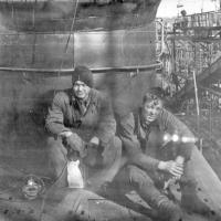 С-263 в доке. Советская Гавань. 1971 год. Геннадий Номоконов и Юрий Чумаков.