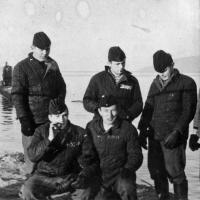 Экипаж С-263. Магадан. На фоне подводные лодки 171 ОБрПЛ.