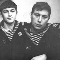 Члены экипажа С-288, справа - Виктор Ряховский. Из архива Виктора Ряховского.