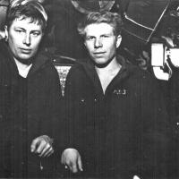 В отсеке С-288. Слева - Виктор Ряховсий. Из архива Виктора Ряховского.