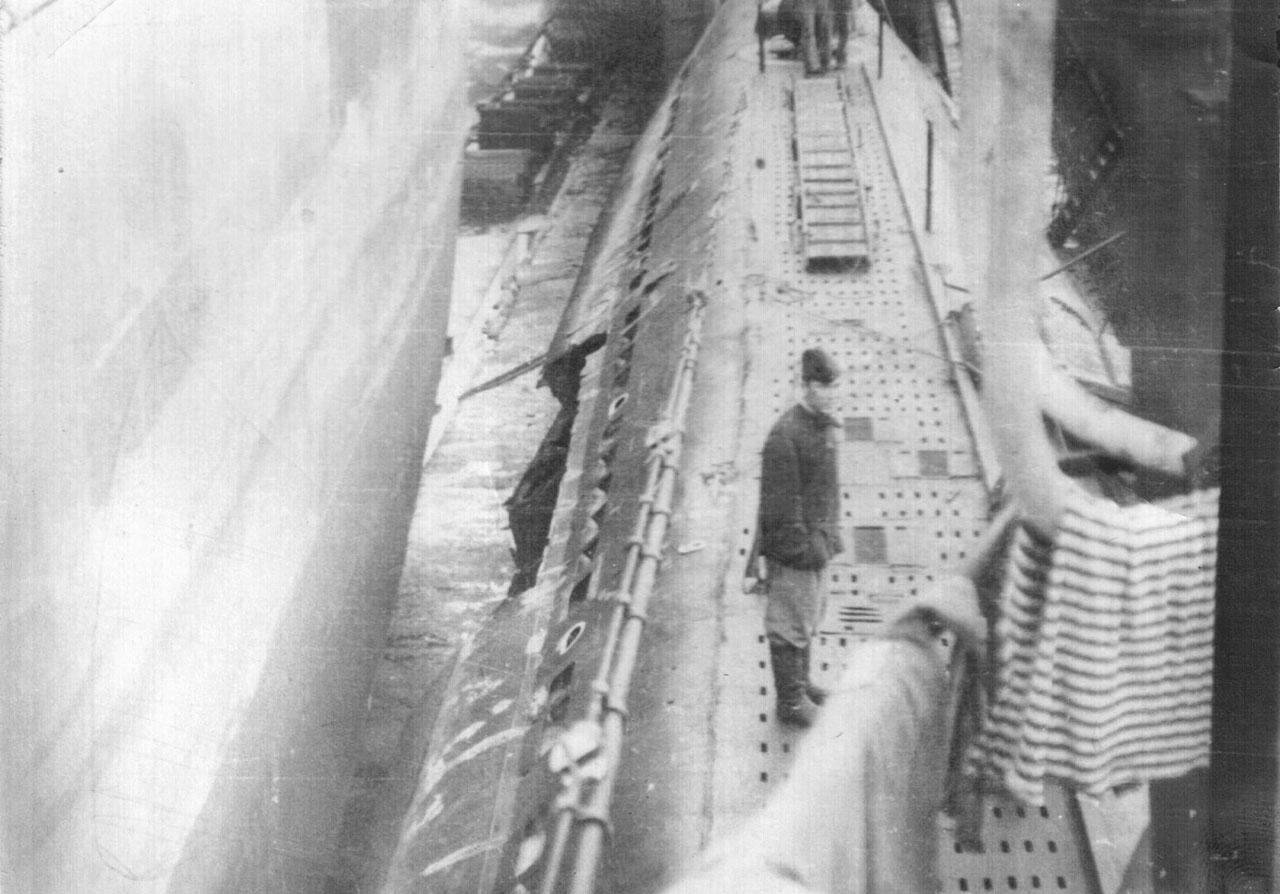 С-288 после майских событий 1968 года. Видны повреждения на легком корпусе от льда. Фото предоставлено Леонидом Меньшиковым.