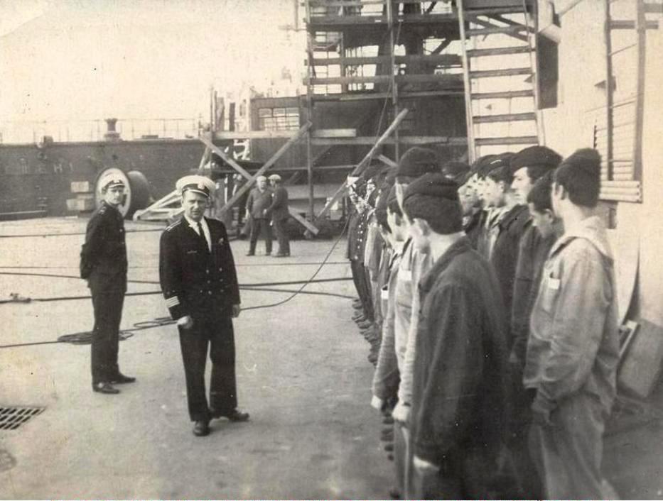Бухта Диомид 1967 год. Инструктаж команды ПЛ перед постановкой ПЛ в док.