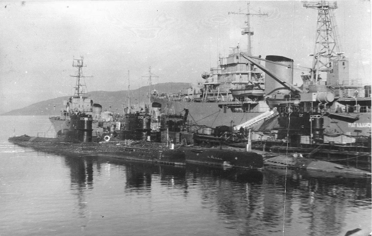 171 бригада на базе в Магадане. С-328 среди лодок 613 проекта.
