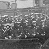 Часть экипажа С-365 во главе командиром капитаном 2 ранга Богдановым, слева от него штурман - Гринько В.Е., справа старпом Смирнов В., Лупша. Плавбаза «Север», ориентировочно - 1968 год.